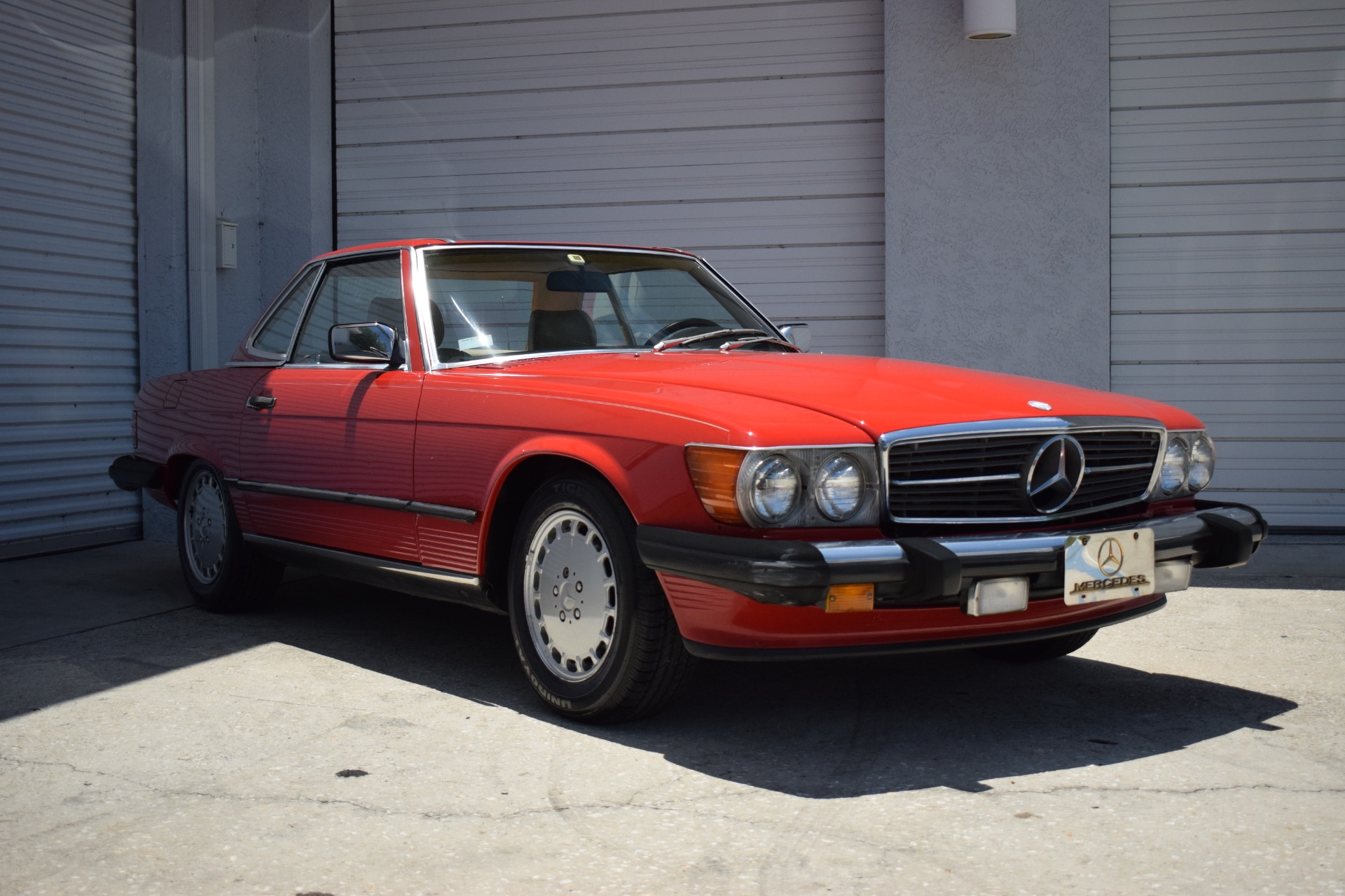 Used 1986 Mercedes-Benz 560 SL Cabrio for sale $14,997 at Track and Field Motors in Safety Harbor FL 34695 1