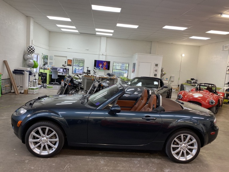 New 2006 MAZDA MX-5 Miata Convertible 2D for sale $9,497 at Track and Field Motors in Safety Harbor FL 34695 8