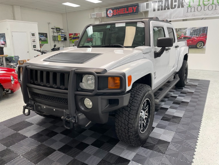 Used 2009 HUMMER H3T Sport Utility Pickup 4D 5 ft for sale Sold at Track and Field Motors in Safety Harbor FL 34695 3