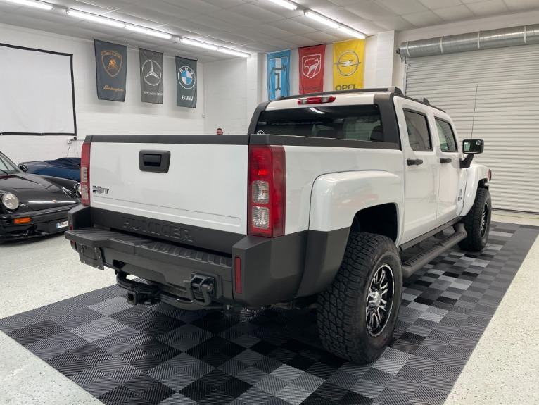 Used 2009 HUMMER H3T Sport Utility Pickup 4D 5 ft for sale Sold at Track and Field Motors in Safety Harbor FL 34695 7
