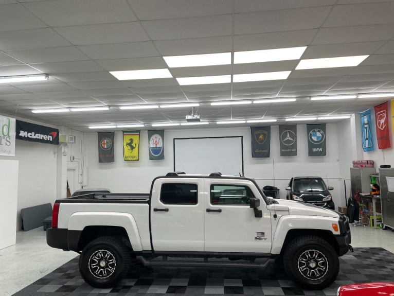 Used 2009 HUMMER H3T Sport Utility Pickup 4D 5 ft for sale Sold at Track and Field Motors in Safety Harbor FL 34695 8