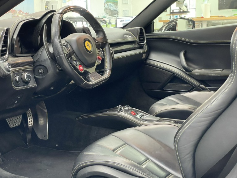 Used 2011 Ferrari 458 Italia Coupe 2D for sale $164,997 at Track and Field Motors in Safety Harbor FL 34695 3